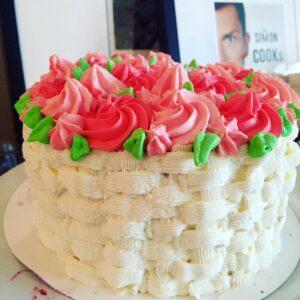 Co by tu napisać :-) kocham to robić :-) #tort #torty #torciki #bday #bdaycake #bdayparty #happybirthday #birthday #birthdaypresent #birthdaycelebration #celebrationtime #happy #instacake #foodie #love #foodcam #foodpics #foodporn #instafood #instacook #warszawa #art #goodwork #wrocLove #wrocławianie #like4like #gastronogram #culinarylove #culinarypassion #culinaryblog @simon_cooks
