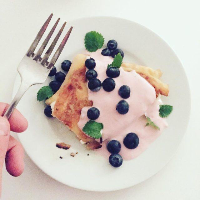 smile umiechamsi naleniki  blueberries simoncooks wlodwcetylkonaleniki jakdobrze szczliwy happyhellip