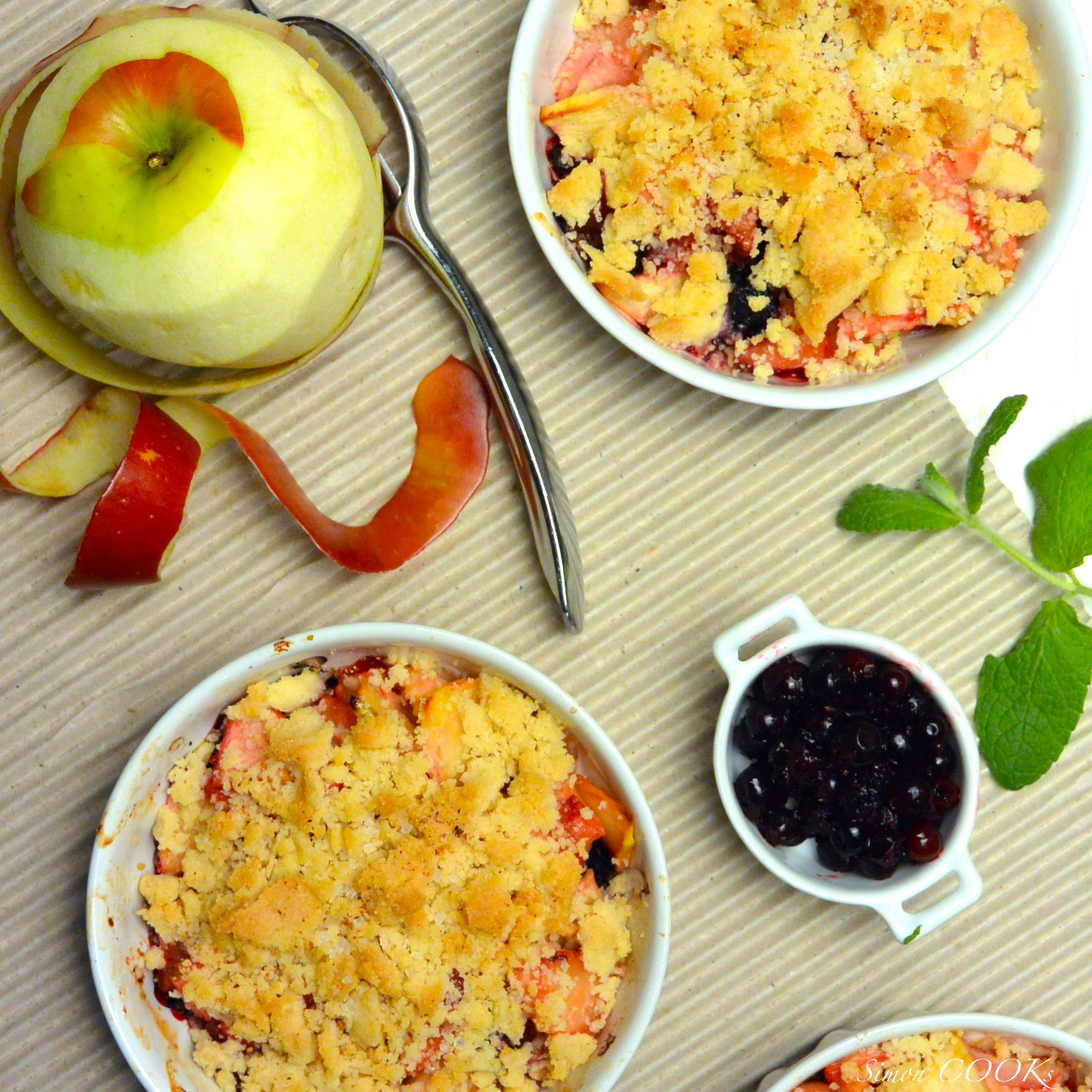 crumble owocowe jabłka porzeczki