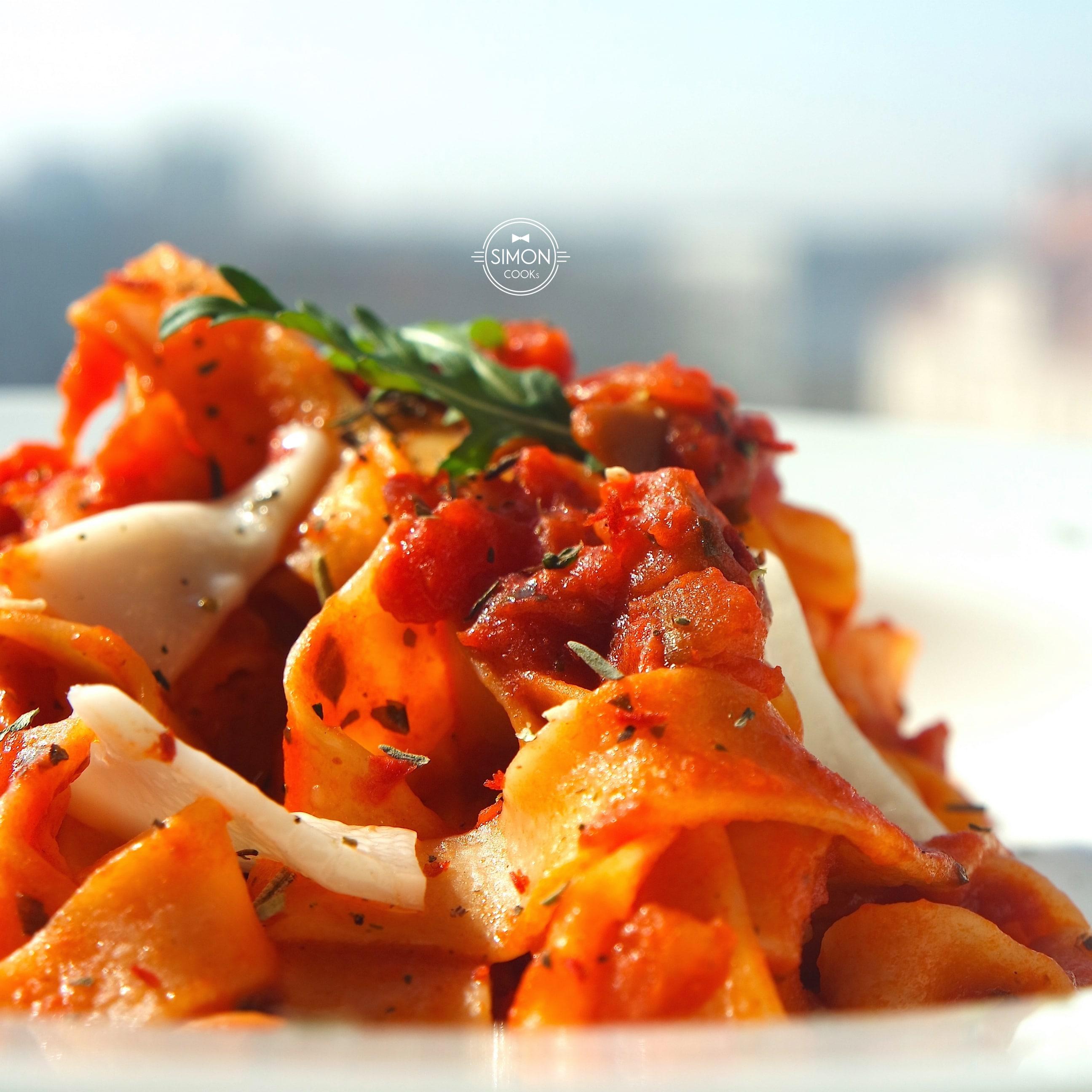 pasta tagliatelle simon cooks pomidory bakłażan