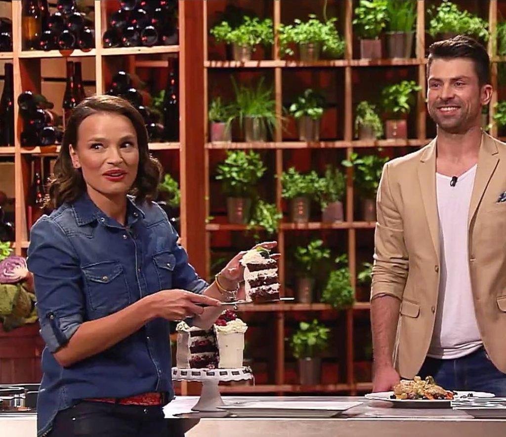 Oleeee! #tort #simoncooks #szymonczupkiewicz #masterchef #tvn #annastarmach @anna_starmach @tvn.pl #radość #szczęście #cake #instacake #tv #torty #instaphoto #instalike #foodporn #polishboy #polishgirl #instaboy #ınstagirl #happy #veryhappy