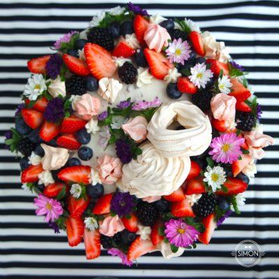 tort z bezami i kwiatami simon cooks masterchef szymon czupkiewicz