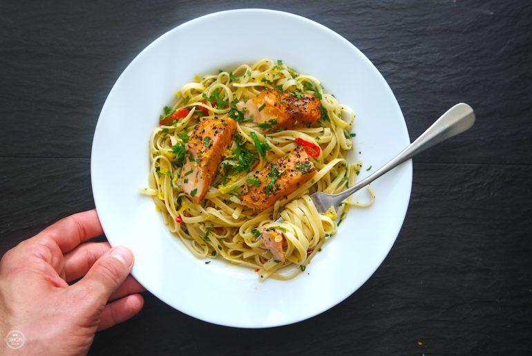 makaron z łososiem dieta prosty makaron simon cooks